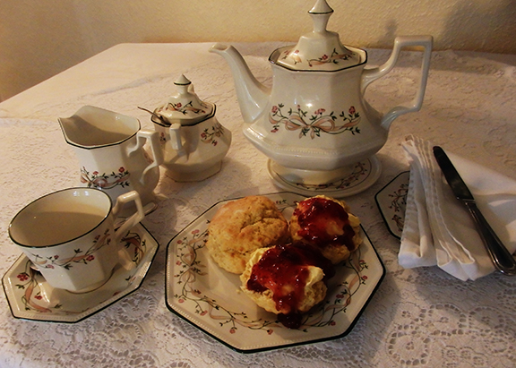 Farmhouse B&B near Holsworthy and Bude. Forda Farm Bed and Breakfast offers guests a Devon cream tea on arrival.