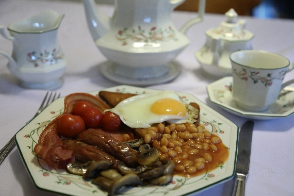 Forda Farm Bed and Breakfast where a cooked breakfast is served to all our guests who would like one. We also serve continental, vegeterian and some gluten free options.